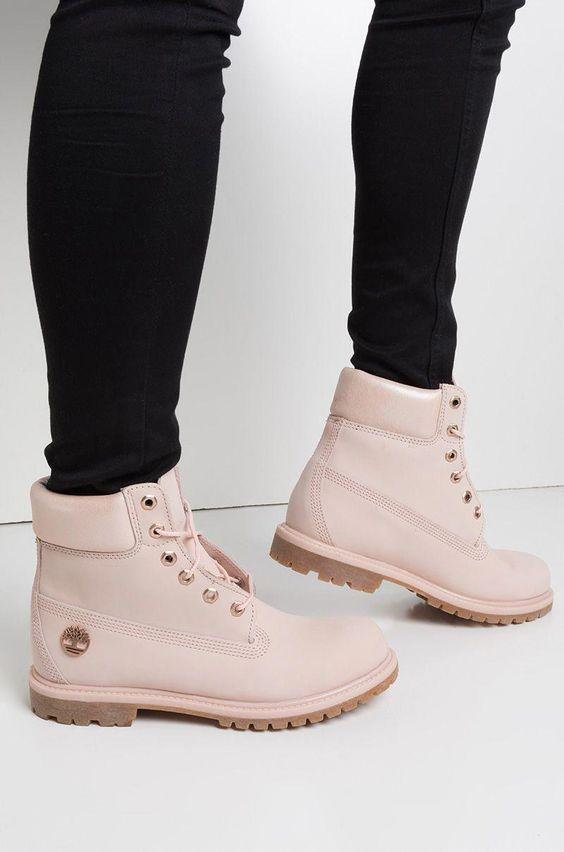 Timberland淡淡樱花粉色短靴超梦幻