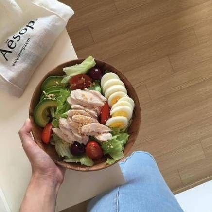 瘦身健康饮食:多吃蛋白质,比如瘦肉、鸡蛋、豆制品。