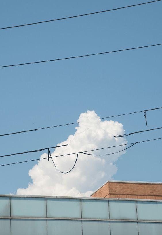 治愈系:【韩风Wallpaper · 天空、大海桌布】蔚蓝天空和云朵