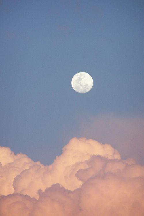 治愈系:【韩风Wallpaper · 天空、大海桌布】黄昏云朵与一轮月