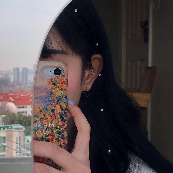 想要给照片套上好看的色调和点缀,除了可以透过GIF、Instagram或iPhone内建调色功能、以及各种修图APP完成...Instagram Story Effect Gallery里面,也有很多让大家「一键调好色调」的好用滤镜,轻松让照片质感UP UP哟!❤️ 话不多说下面马上来给大家私心推荐10+款好用限时动态滤镜,收藏起来随时随地打开Insta Story拍摄模式就能使用喽~