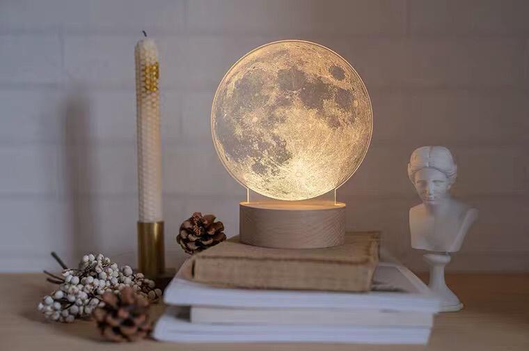 月球小夜灯