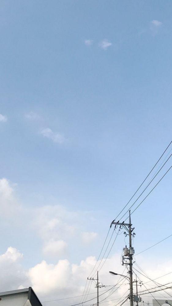 ✨ 韩系意境风格手机Wallpaper | # 如果你很难过,那就看看天空吧~它那么大那么辽阔,一定可以包容你所有的难过和委屈 ❤️