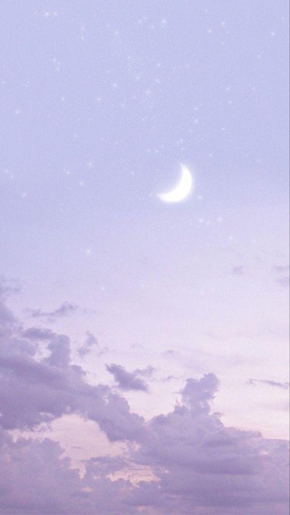 # 难过的时候总爱看看无边无际的天空;那么大的它,总感觉可以包容我的所有委屈的坏心情 ☁️